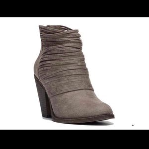 Fergalicious Wicket Taupe Gray Ankle Bootie Size 8